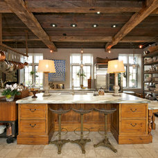 Farmhouse Kitchen by World Wide Stereo