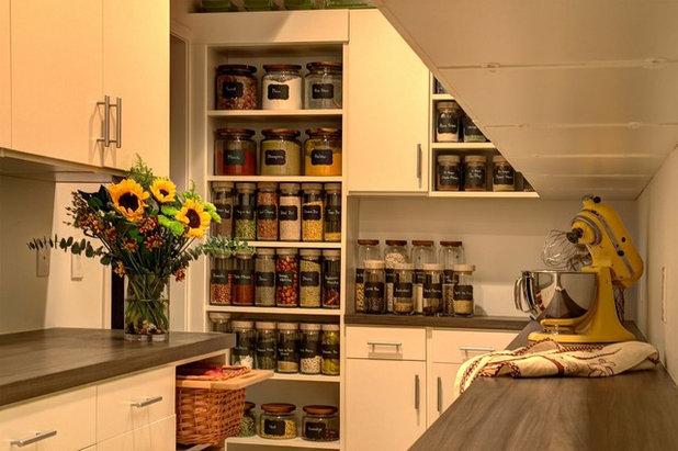 Contemporary Kitchen by Closet & Storage Concepts - Norwalk
