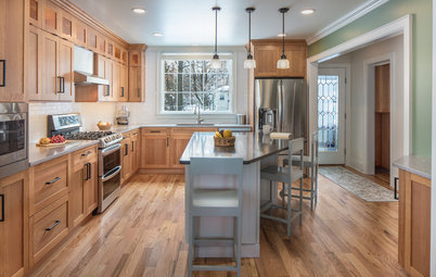 Kitchen of the Week: Cherry Cabinets Bring Warmth in Vermont