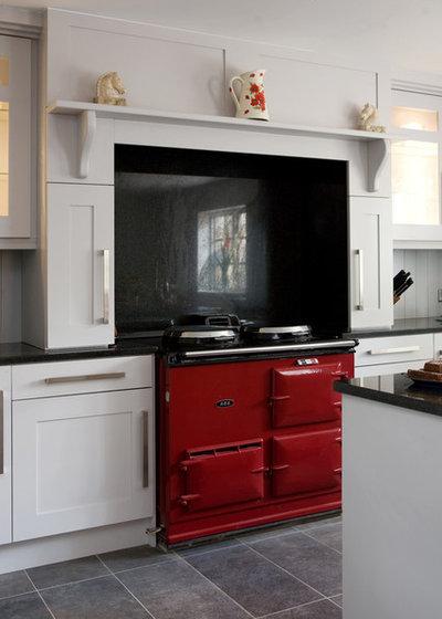 Klassisch modern Küche by Glenvale Kitchens