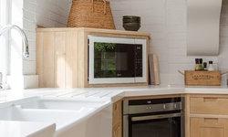 shaker kitchen in limed oak