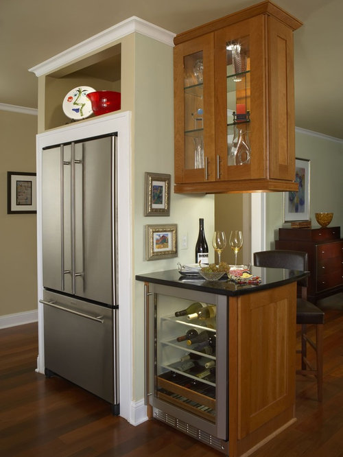 Small Cubby Next To Kitchen Cabinet And Wall