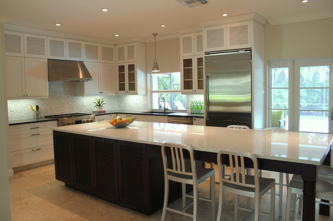 Contemporary Kitchen by Leon Cabinets Corp.