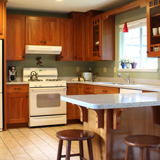 Traditional Kitchen by ARCATA CABINET & DESIGN