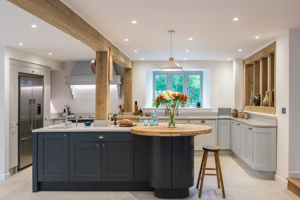 Country Kitchen by Kettle Co. Kitchens