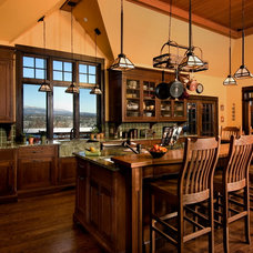 Craftsman Kitchen by John Stanek Custom Builders, Inc.