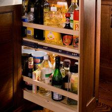 Craftsman Kitchen by John Stanek Custom Builders, Inc.