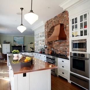 Idéer för ett klassiskt kök, med bänkskiva i akrylsten