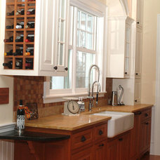 Traditional Kitchen by Simpson Cabinetry