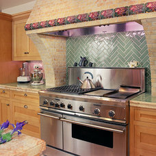 Traditional Kitchen by Jeffrey Smalley Architects