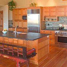 Contemporary Kitchen by Scott Gilbride/Architect Inc.