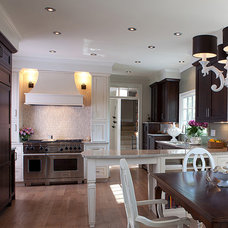 Traditional Kitchen by Mia Silverman