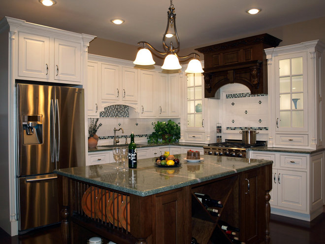 Traditional Kitchen by Dave Albertson