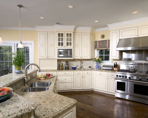 7,588 Traditional Kitchen with Beige Cabinets Design Ideas ...