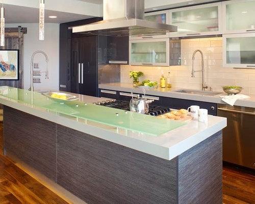 Kitchen design ideas renovations photos with glass for Kitchen cabinets 99 street edmonton
