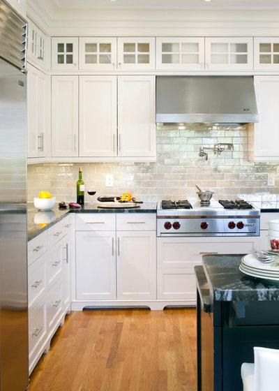British Colonial Kitchen by LDa Architecture & Interiors