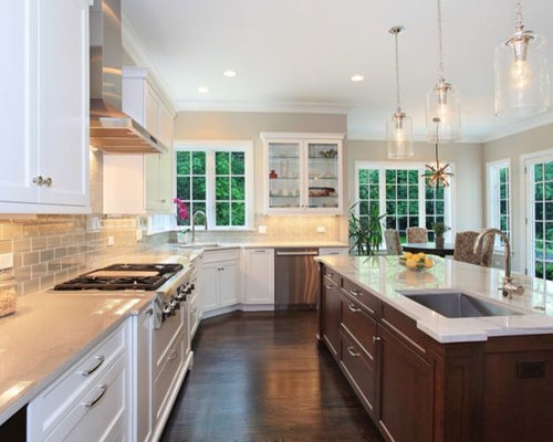 Victorian Light Hardwood Floor Kitchen Design Ideas