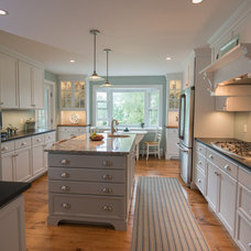 Beach Style Kitchen by Tena E. Collyer