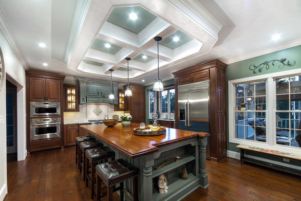 Classico Cucina by Cossentino & Sons Remodeling & Design Inc.