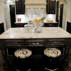 Traditional Kitchen by Distinctive Homes by J&K Properties, Inc.