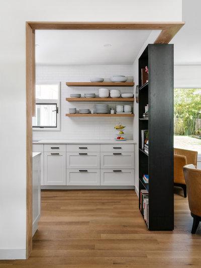 Lantlig Kök by Point B Design Group
