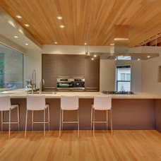 Modern Kitchen by Verge Architecture & Design, LLC