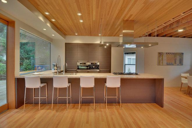 Modern Kitchen by Allied8 (formerly Verge AD)
