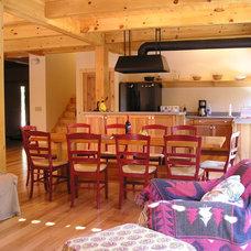 Traditional Kitchen by G V V Architects