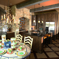 Traditional Kitchen by Sun Custom Homes