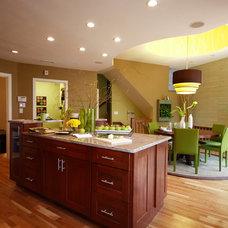Modern Kitchen by Denise Maurer Interiors
