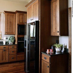 traditional kitchen by Showplace Wood Products