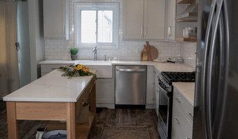 Showplace EVO Kitchen - Maple Pierce w/ Gunsmoke