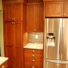 Craftsman Kitchen by Scotland Kitchen & Bath Designs, Inc