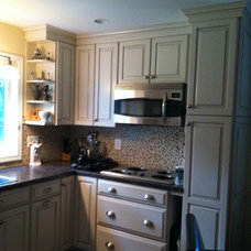 Traditional Kitchen by 84 Lumber Co