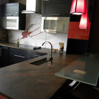 Showroom Kitchen Contemporary Kitchen Chicago By