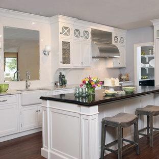 Kitchen - traditional kitchen idea in Boston
