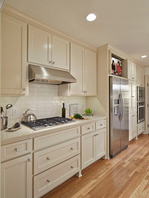 Houzz | 50+ Best Traditional Galley Kitchen Pictures - Traditional Galley Kitchen Design Ideas ...