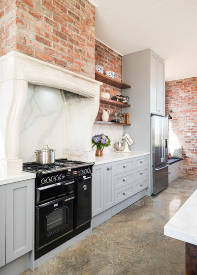 Country Kitchen by Smith & Smith Kitchens