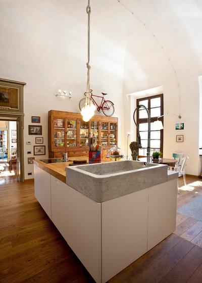 mit humor neue k che f r ein italienisches haus aus dem 17 jahrhundert. Black Bedroom Furniture Sets. Home Design Ideas