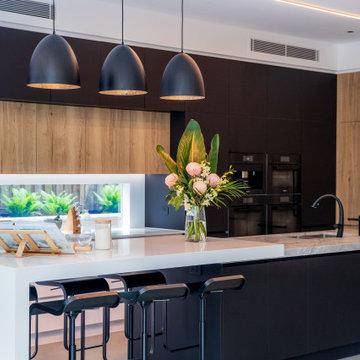 Simple, Elegant Kitchen