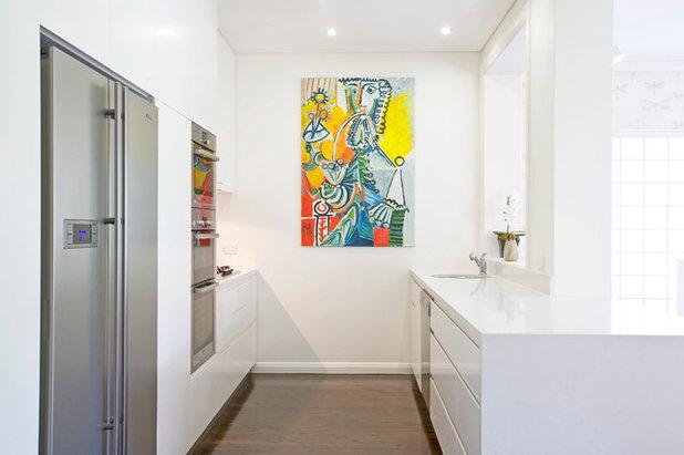Contemporary Kitchen by Barbara Bagot Architecture