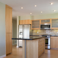 Contemporary Kitchen by Martinkovic Milford Architects