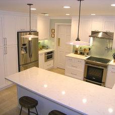 Traditional Kitchen by Schoeman Enterprises, Inc