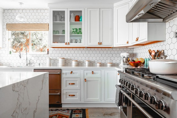Transitional Kitchen by UCON