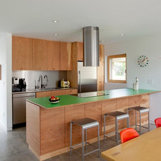 Contemporary Kitchen by In Situ Architecture