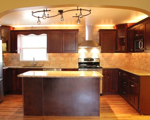 Midcentury kitchen design ideas renovations photos with for Bentwood kitchen cabinets