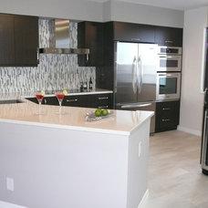 Modern Kitchen by Delorie Countertops & Doors Inc.
