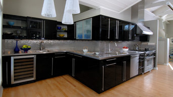 Sleek Contemporary Kitchen with Bold Cabinets