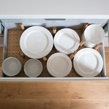 Sleek Handleless J-Profile Kitchen
