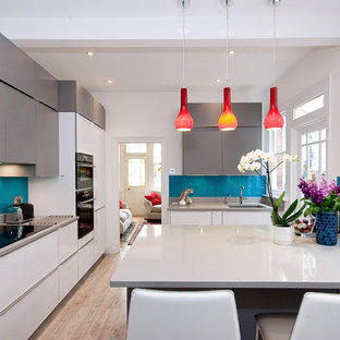 Sleek Kitchen with Pops of Colour